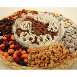 Chocolates Pretzels Nut & Chocolate Gfit Tray 6715