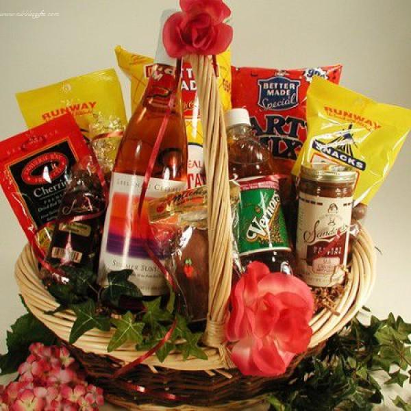 Michigan Treats Holiday Gift Basket 6210